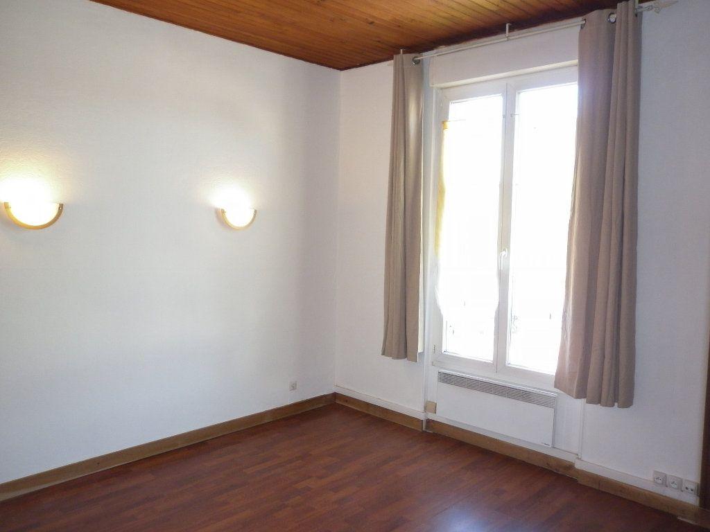 Appartement à louer 2 43.7m2 à Coulommiers vignette-1