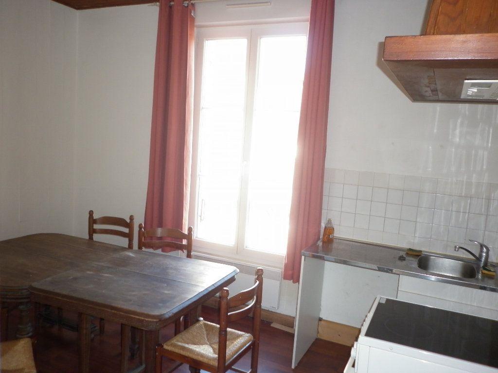 Appartement à louer 2 43.7m2 à Coulommiers vignette-2