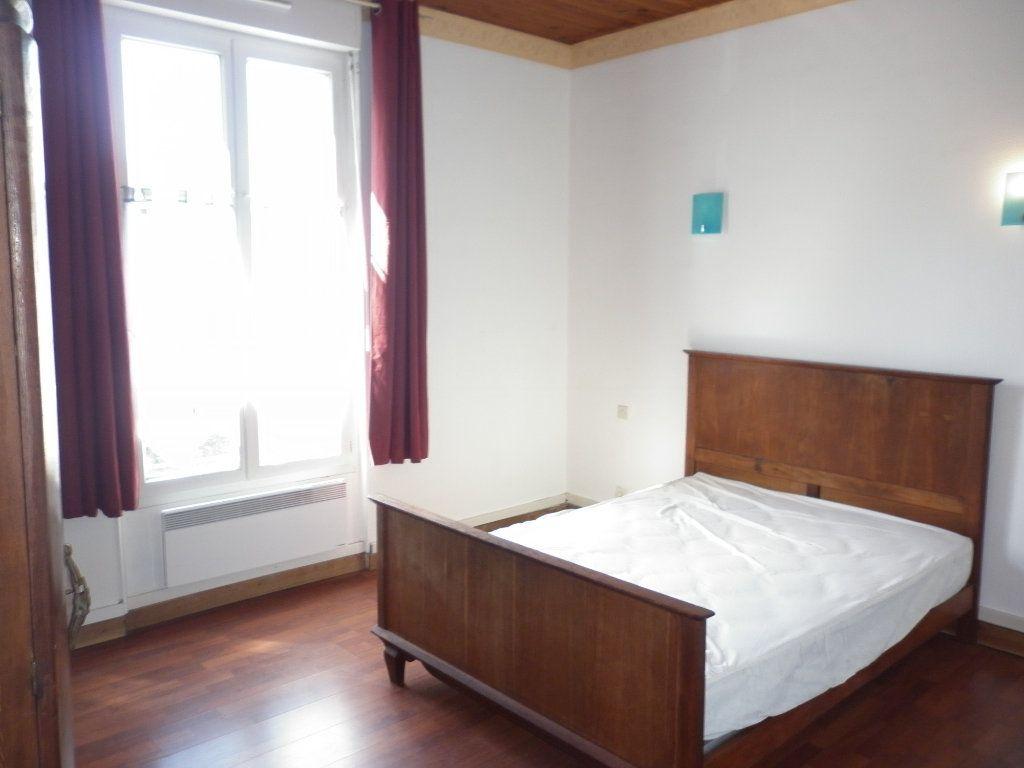 Appartement à louer 2 43.7m2 à Coulommiers vignette-3
