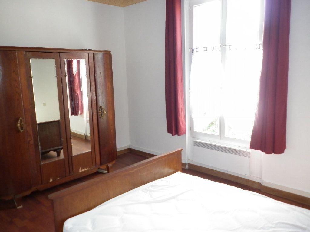 Appartement à louer 2 43.7m2 à Coulommiers vignette-4
