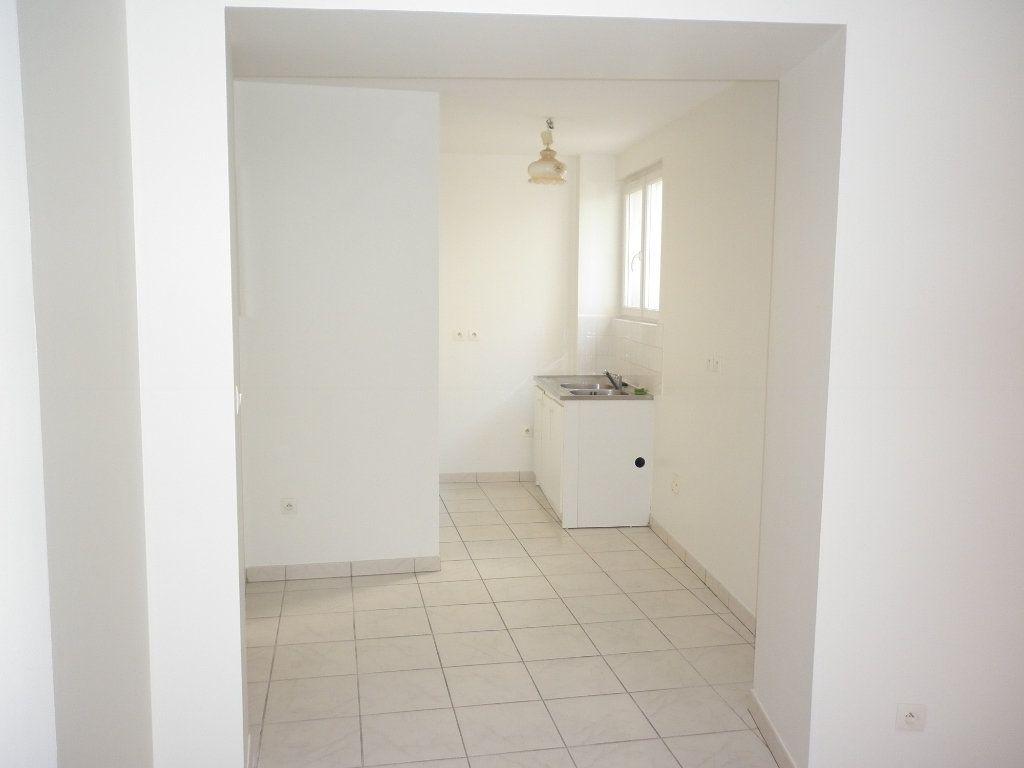 Appartement à louer 2 48m2 à Coulommiers vignette-2