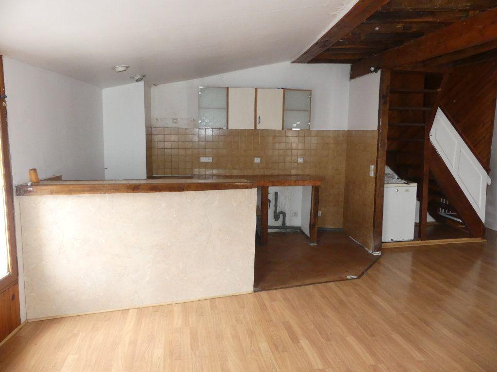 Appartement à vendre 4 75.83m2 à Coulommiers vignette-2