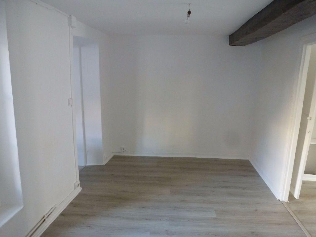 Immeuble à vendre 0 82m2 à La Ferté-Gaucher vignette-3