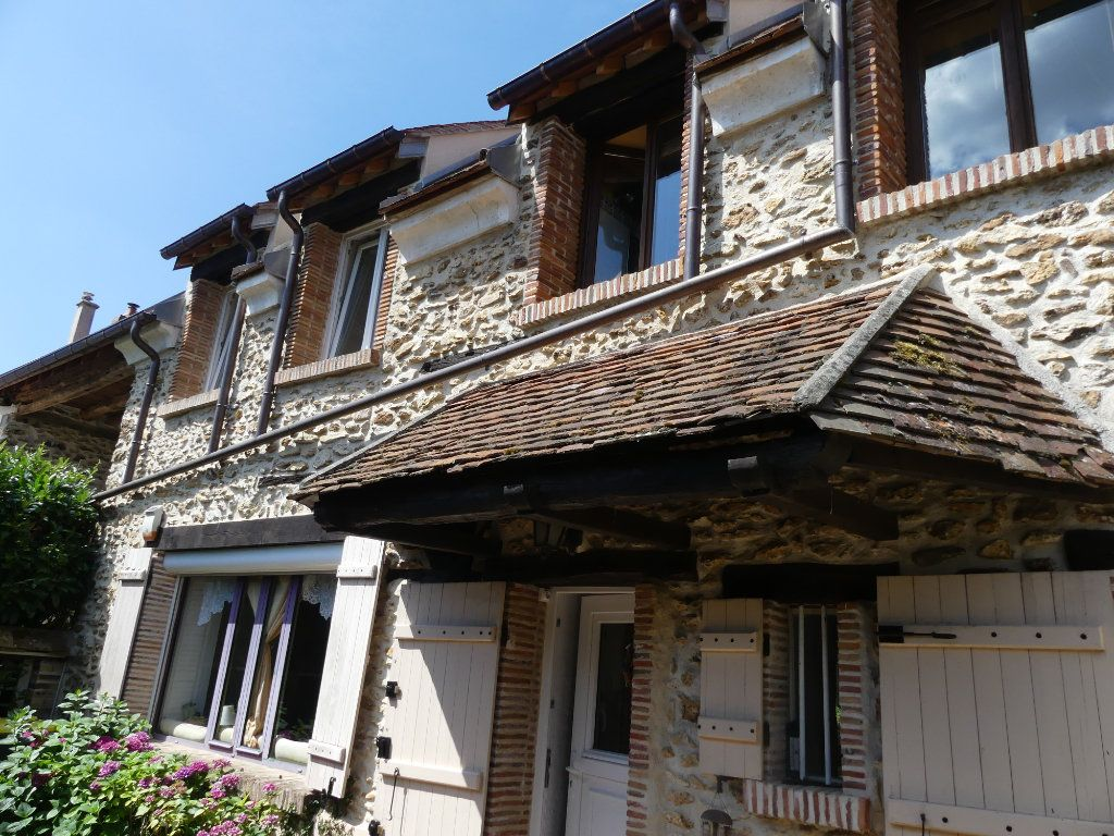 Maison à vendre 9 174.2m2 à Coulommiers vignette-1