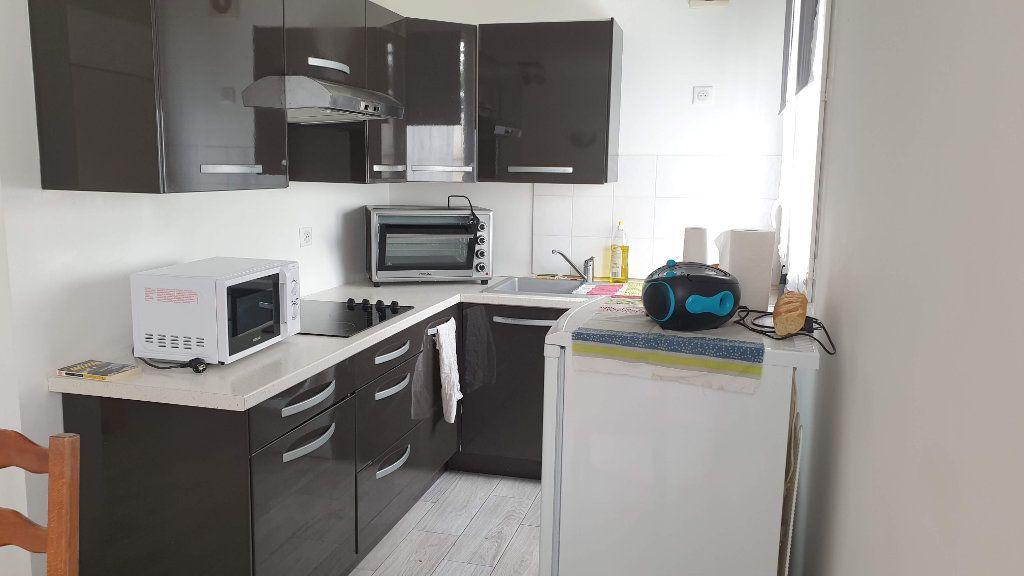 Appartement à vendre 3 52m2 à La Ferté-Gaucher vignette-2
