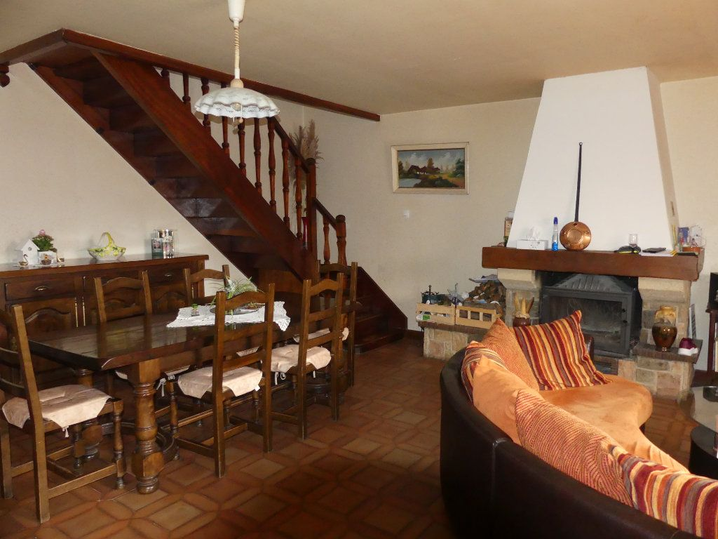 Maison à vendre 6 148m2 à La Ferté-Gaucher vignette-3