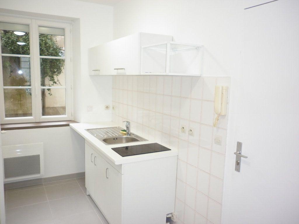 Appartement à louer 1 21.05m2 à Coulommiers vignette-3