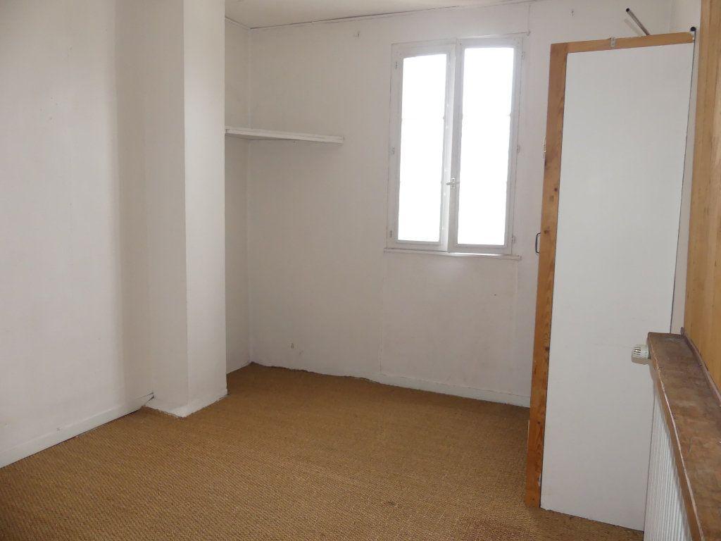 Maison à vendre 4 100m2 à Coulommiers vignette-7