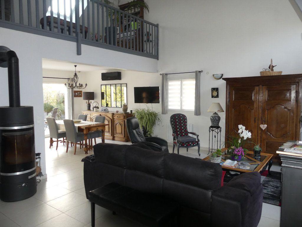 Maison à vendre 6 168m2 à Coulommiers vignette-2