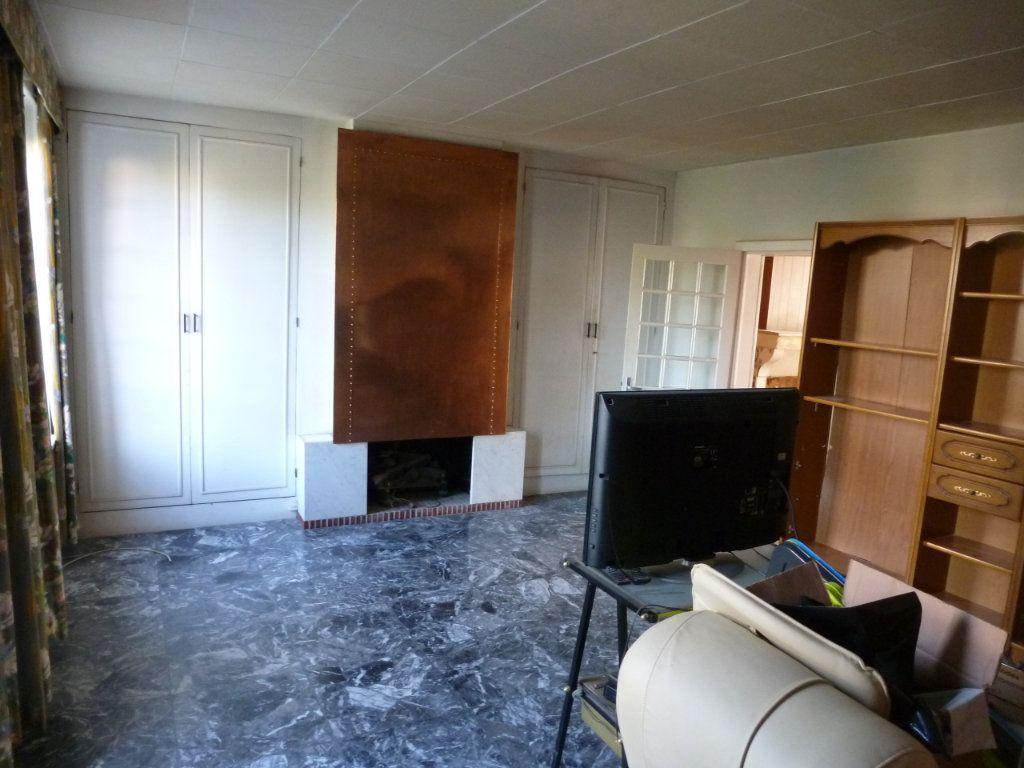 Maison à vendre 4 101m2 à Coulommiers vignette-4