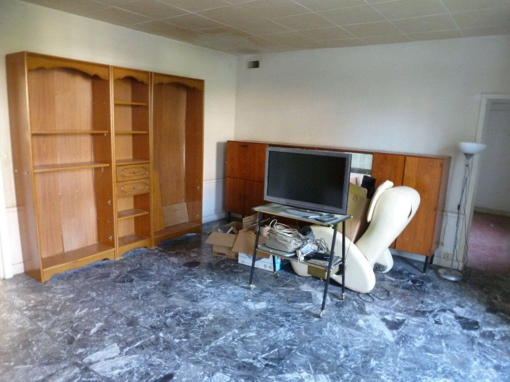 Maison à vendre 4 101m2 à Coulommiers vignette-5