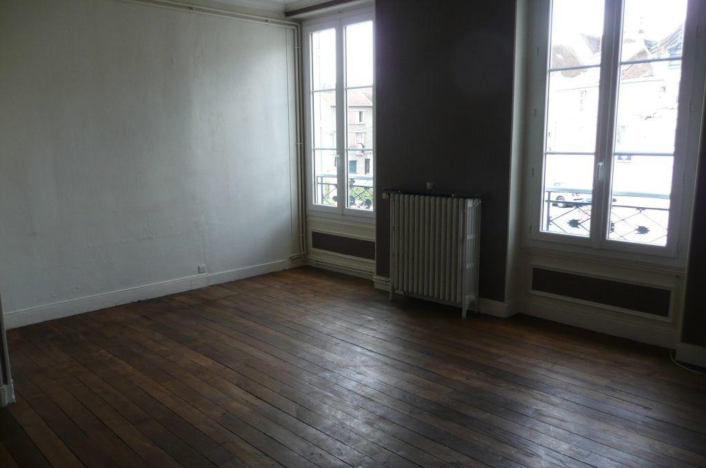 Appartement à louer 5 73.16m2 à Coulommiers vignette-4
