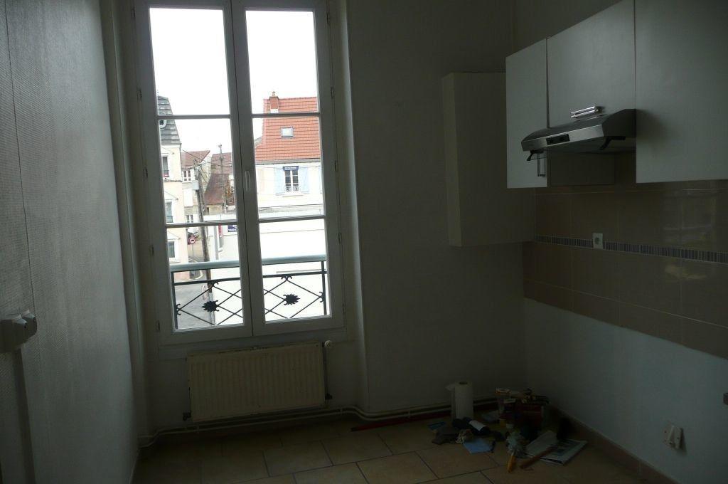 Appartement à louer 5 73.16m2 à Coulommiers vignette-7