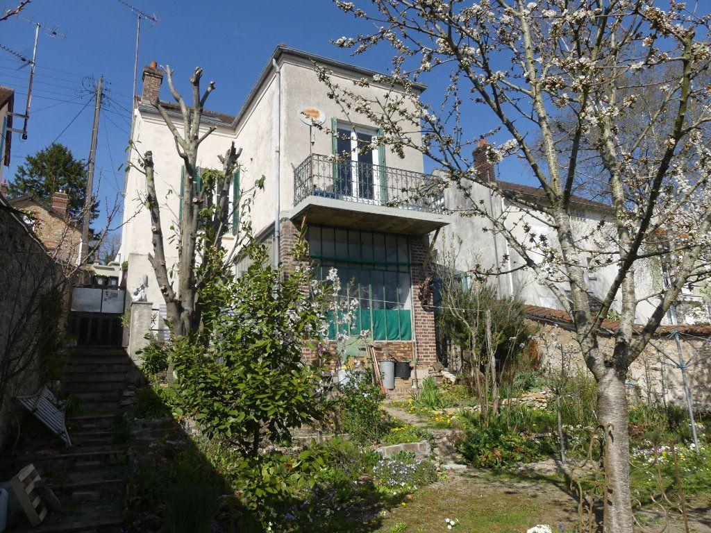 Maison à vendre 7 118m2 à Coulommiers vignette-1