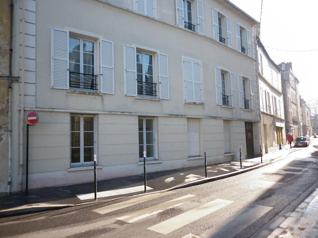 Appartement à louer 2 50m2 à Coulommiers vignette-1