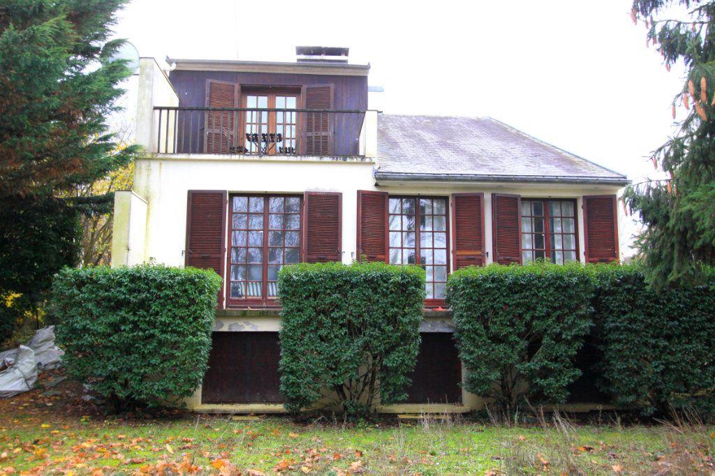 Maison à vendre 8 155m2 à Les Mureaux vignette-1