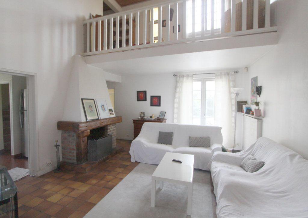 Maison à vendre 8 155m2 à Les Mureaux vignette-3