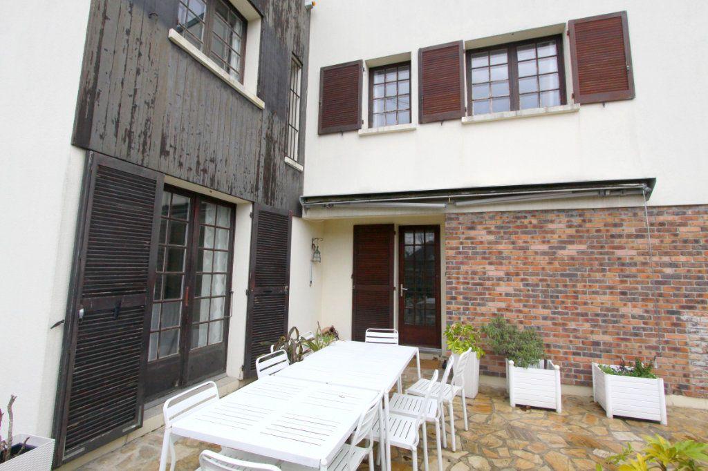Maison à vendre 8 155m2 à Les Mureaux vignette-6