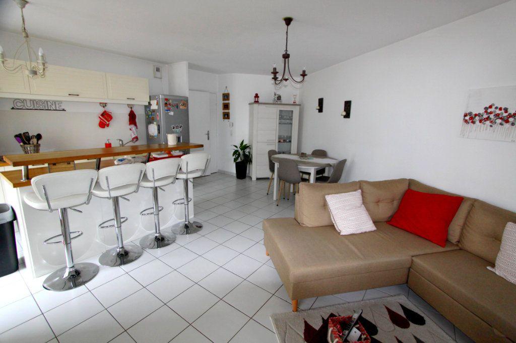 Appartement à vendre 4 80.4m2 à Les Mureaux vignette-1