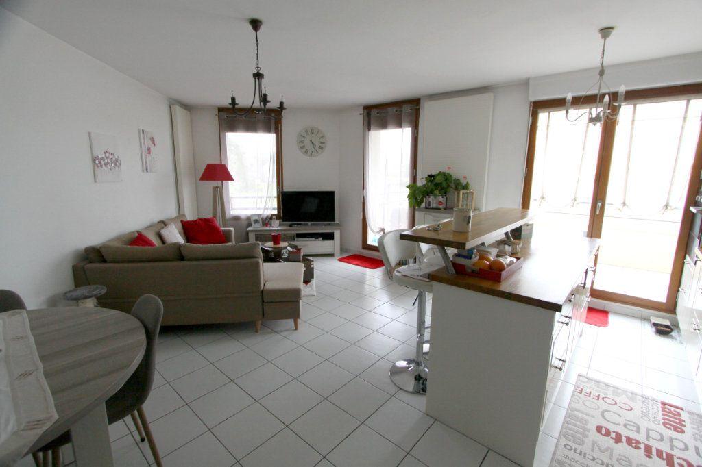 Appartement à vendre 4 80.4m2 à Les Mureaux vignette-3