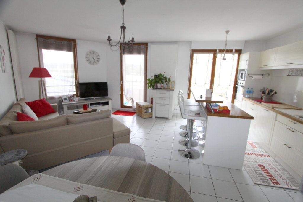 Appartement à vendre 4 80.4m2 à Les Mureaux vignette-4