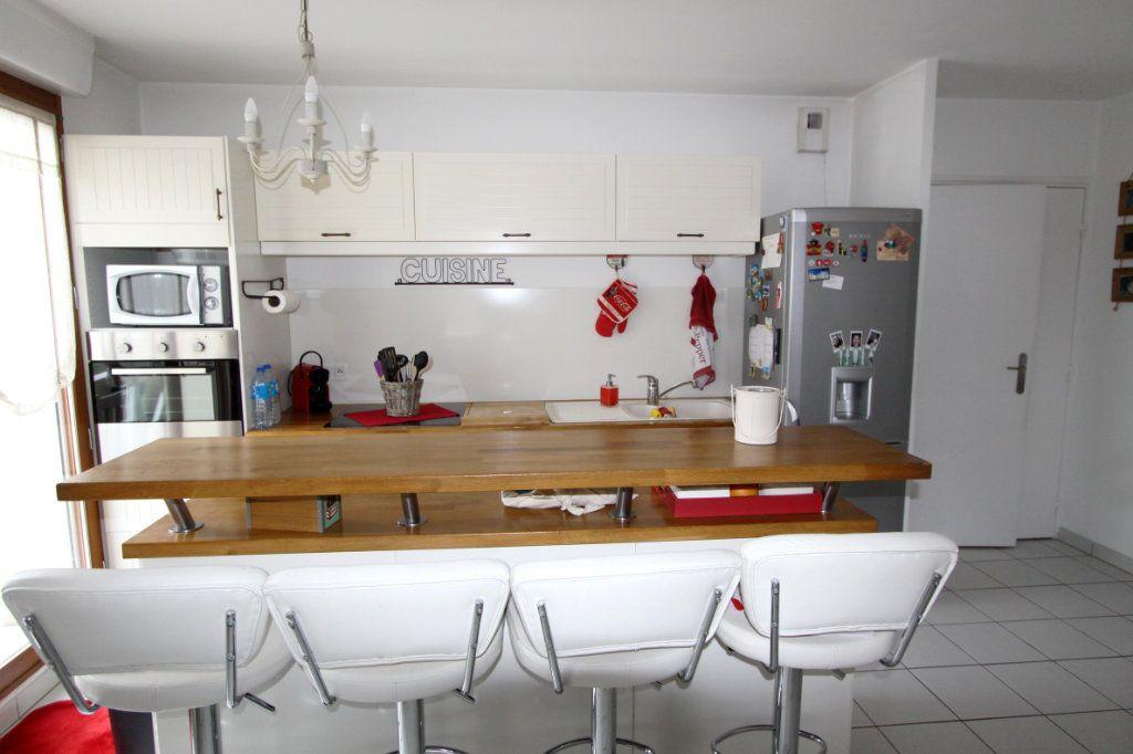 Appartement à vendre 4 80.4m2 à Les Mureaux vignette-5