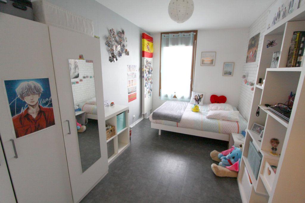 Appartement à vendre 4 80.4m2 à Les Mureaux vignette-7
