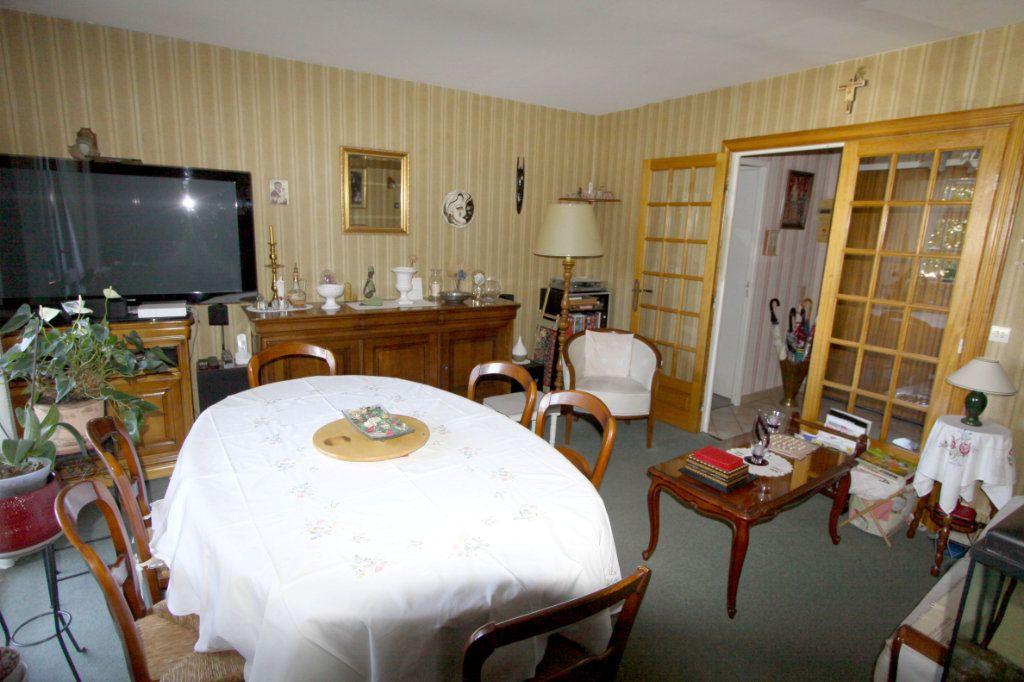 Appartement à vendre 3 67.47m2 à Les Mureaux vignette-1
