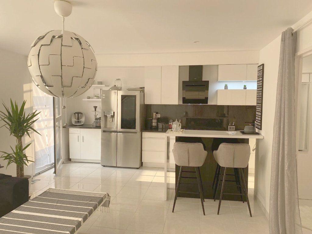 Appartement à vendre 3 67.69m2 à Les Mureaux vignette-1