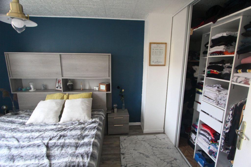 Maison à vendre 4 62.91m2 à Les Mureaux vignette-6