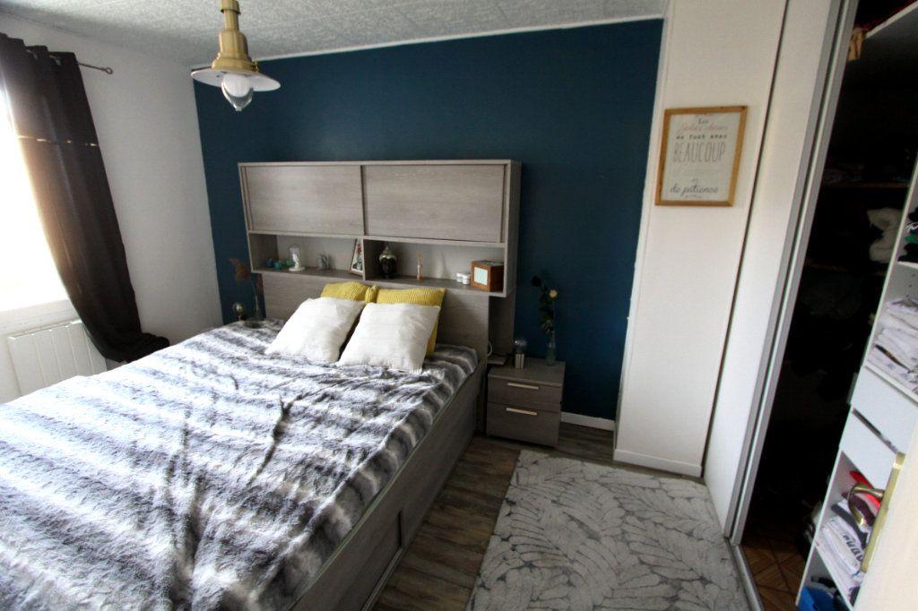 Maison à vendre 4 62.91m2 à Les Mureaux vignette-7