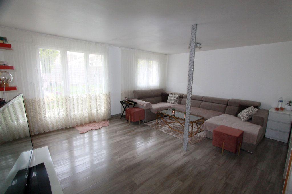 Maison à vendre 6 90.81m2 à Les Mureaux vignette-1