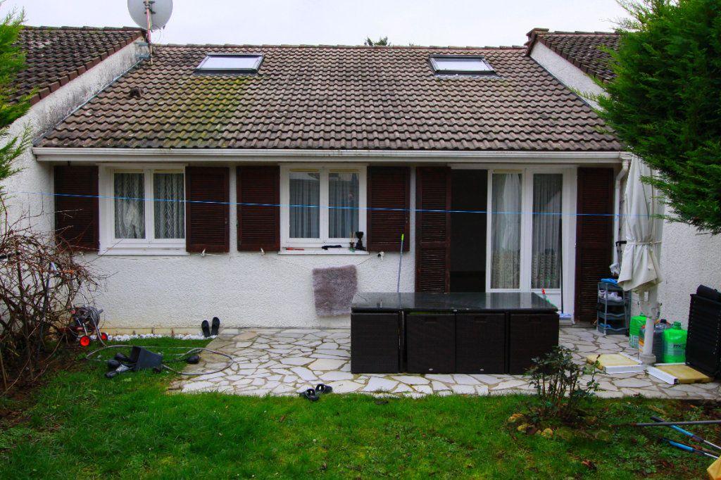 Maison à vendre 6 90.81m2 à Les Mureaux vignette-3