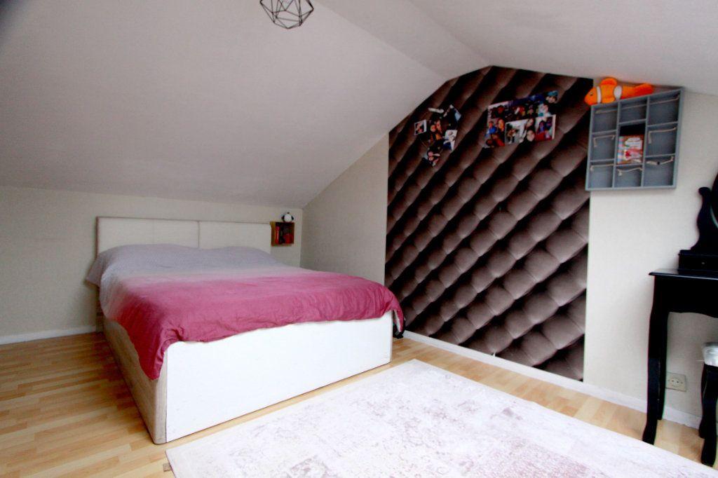 Maison à vendre 6 90.81m2 à Les Mureaux vignette-9