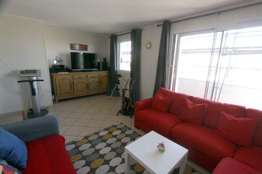 Appartement à vendre 5 7932m2 à Les Mureaux vignette-1
