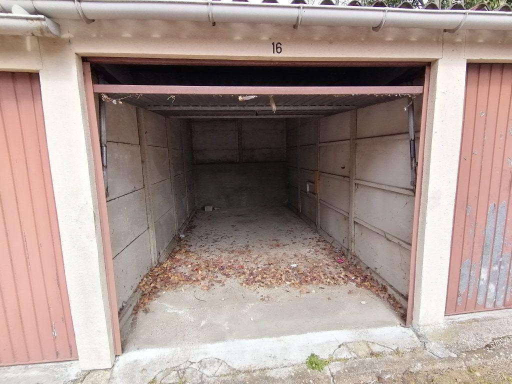 Stationnement à vendre 0 12.5m2 à Les Mureaux vignette-2