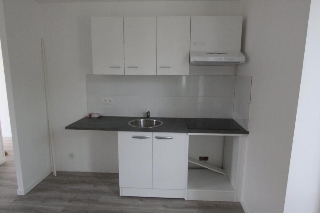Appartement à louer 3 56.4m2 à Les Mureaux vignette-5