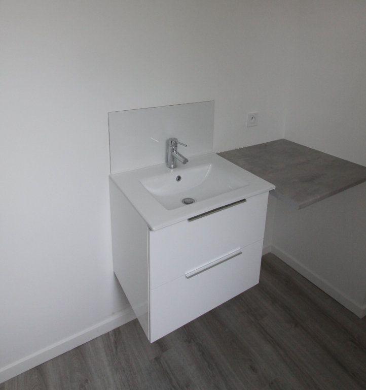 Appartement à louer 3 56.4m2 à Les Mureaux vignette-9