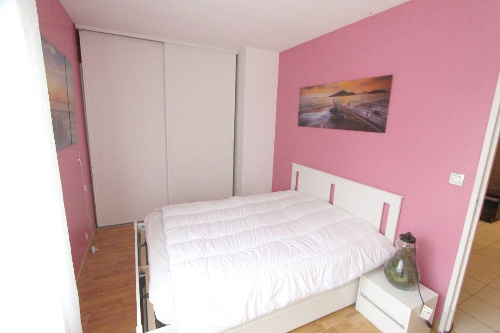 Appartement à louer 2 42.51m2 à Les Mureaux vignette-7