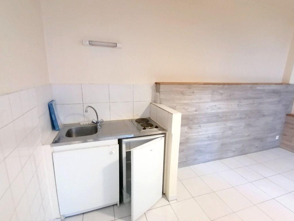 Appartement à louer 1 18.06m2 à Meulan-en-Yvelines vignette-3