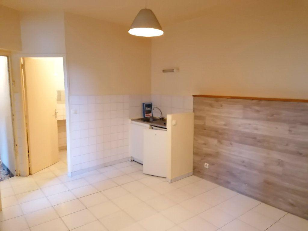 Appartement à louer 1 18.06m2 à Meulan-en-Yvelines vignette-4