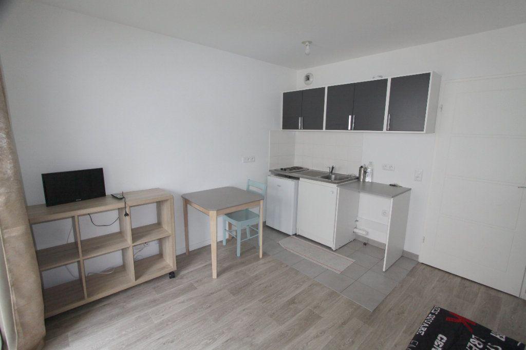 Appartement à louer 1 19.81m2 à Les Mureaux vignette-2