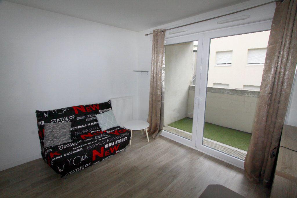 Appartement à louer 1 19.81m2 à Les Mureaux vignette-3