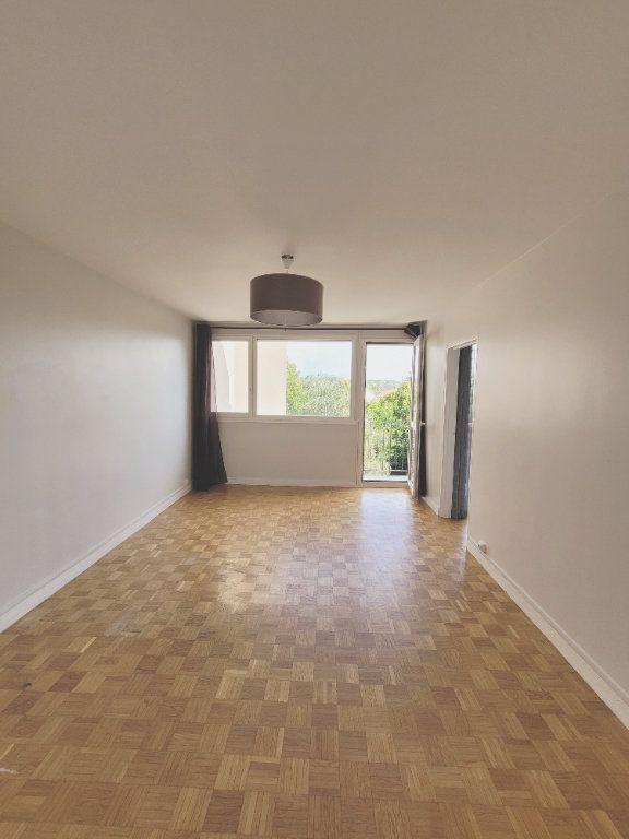 Appartement à louer 3 66.6m2 à Les Mureaux vignette-4
