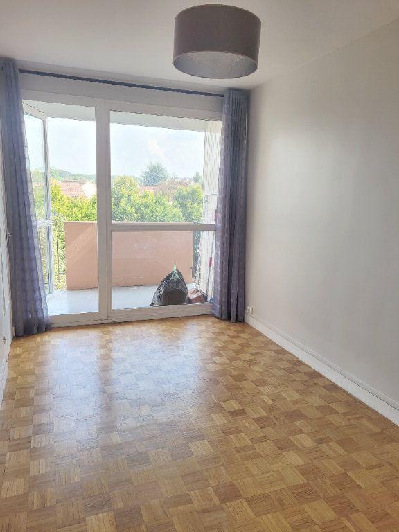 Appartement à louer 3 66.6m2 à Les Mureaux vignette-5