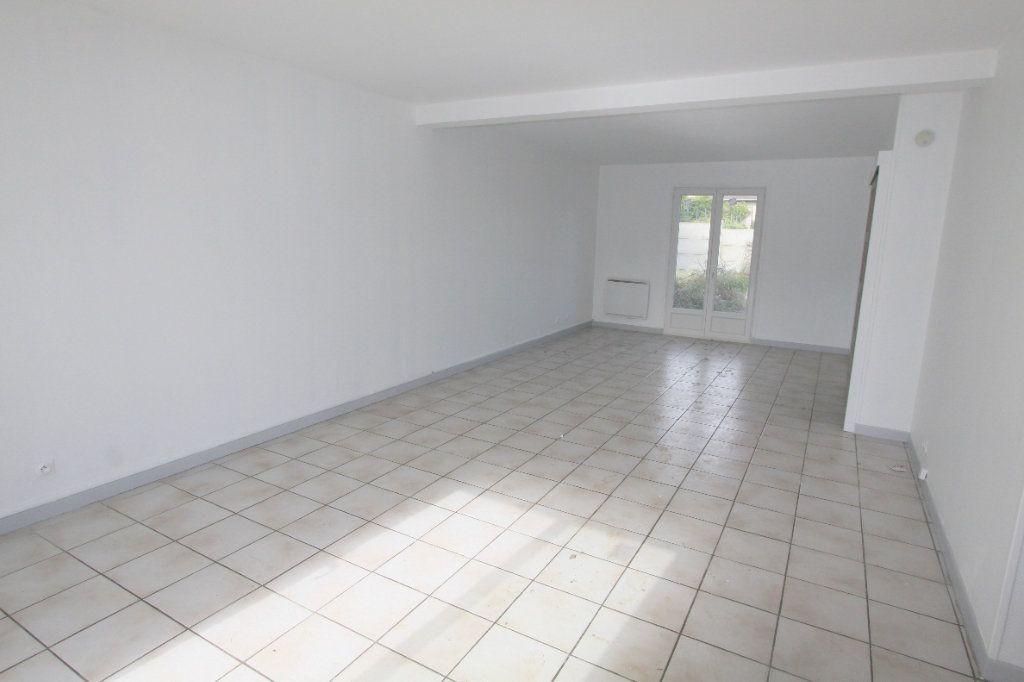 Maison à louer 5 111.88m2 à Ecquevilly vignette-3