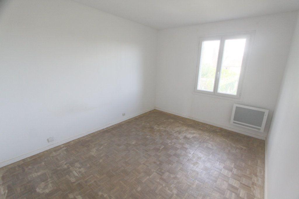 Maison à louer 5 111.88m2 à Ecquevilly vignette-9