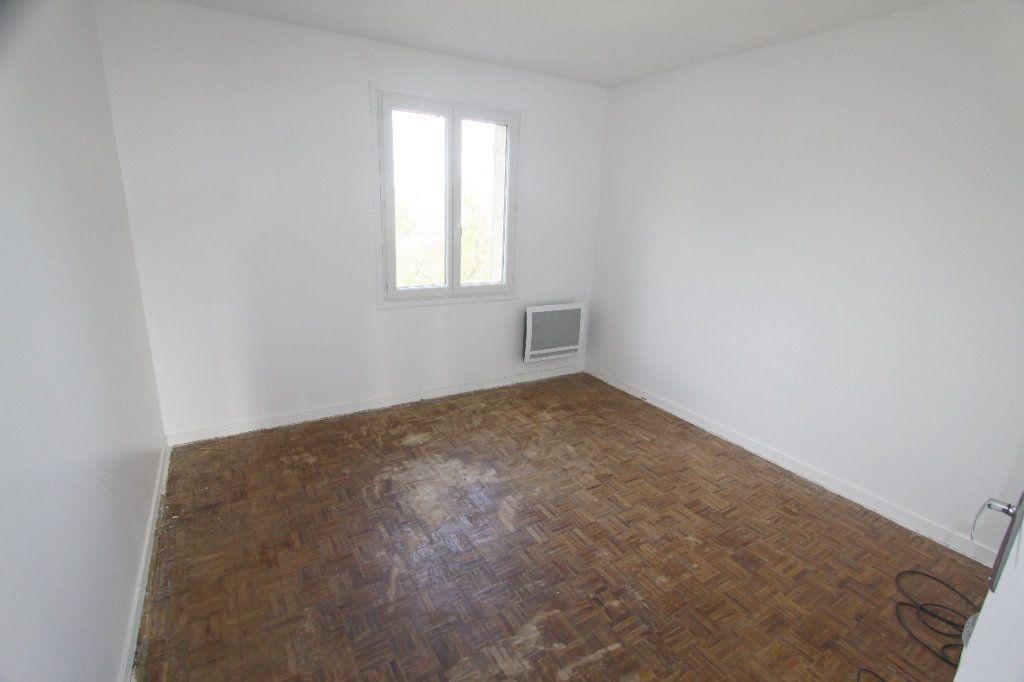Maison à louer 5 111.88m2 à Ecquevilly vignette-11