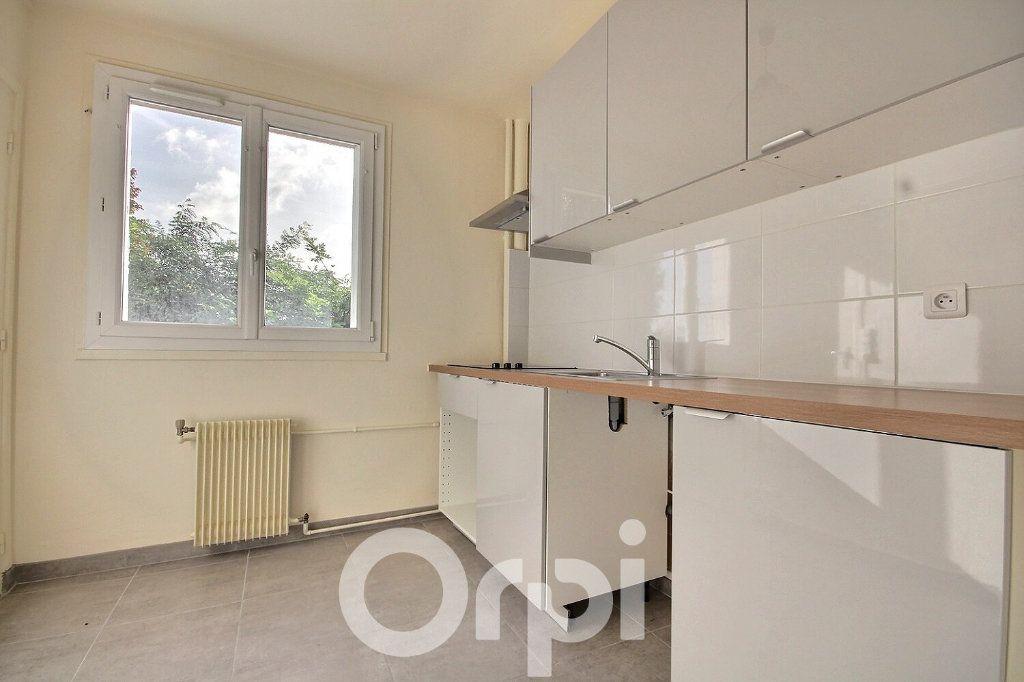 Appartement à vendre 3 63.21m2 à Meudon vignette-3