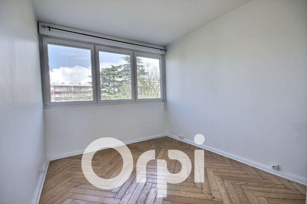 Appartement à vendre 4 74.5m2 à Vélizy-Villacoublay vignette-4